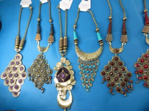 chuncky-vintage-retro-necklaces-20z