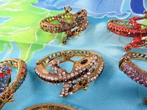 crystal-rhinestone-lizard-bangle-4b