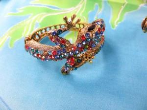 crystal-rhinestone-lizard-bangle-4e