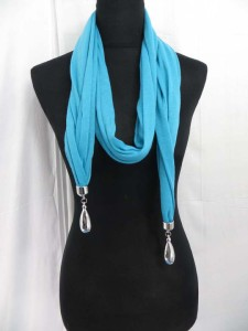 double-pendants-necklace-scarf-81b