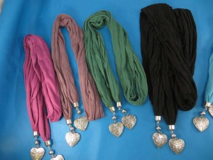 double-pendants-necklace-scarf-82c