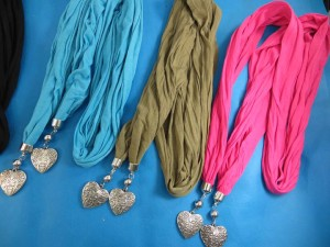 double-pendants-necklace-scarf-82d