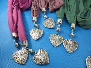 double-pendants-necklace-scarf-82e