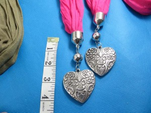double-pendants-necklace-scarf-82g
