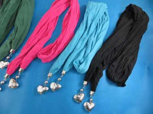 double-pendants-necklace-scarf-83e