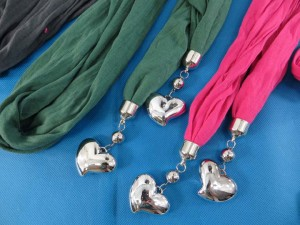 double-pendants-necklace-scarf-83g