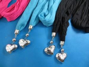 double-pendants-necklace-scarf-83h