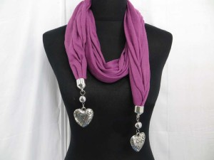 Double filigree puffy heart pendant wrap scarf
