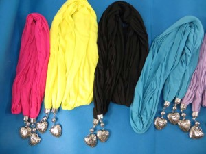 double-pendants-necklace-scarf-84c