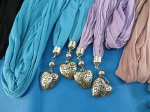 double-pendants-necklace-scarf-84f