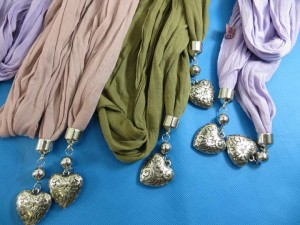double-pendants-necklace-scarf-84g