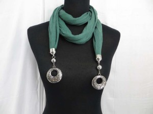 Double vintage retro filigree circle pendant scarf