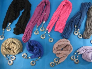 double-pendants-necklace-scarf-85c