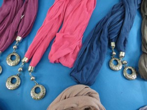double-pendants-necklace-scarf-85f