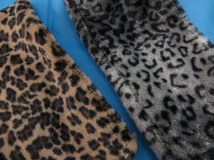 fuzzy-circle-neckwarmer-scarf-126c