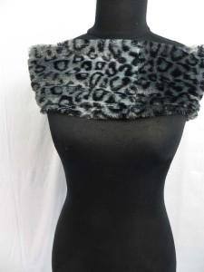 fuzzy-circle-neckwarmer-scarf-126g