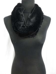 fuzzy-circle-neckwarmer-scarf-126l