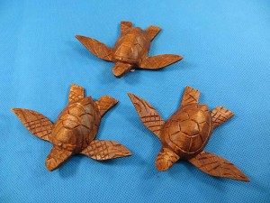 Mini wooden sea turtle