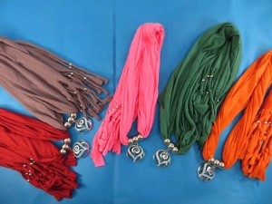 necklace-scarf-70a