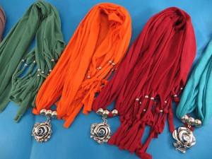 necklace-scarf-72c