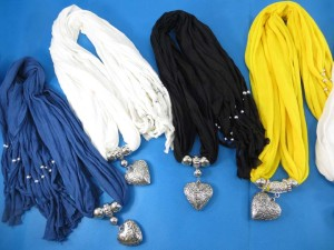 necklace-scarf-78k