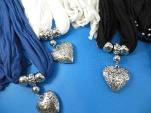 necklace-scarf-78l