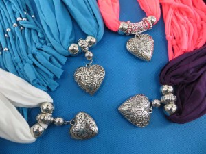 necklace-scarf-78q