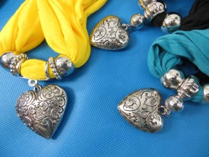 necklace-scarf-78r
