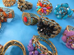 retro-antique-crystal-faux-gem-bangle-bracelets-7m