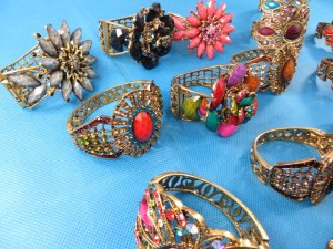 retro-antique-crystal-faux-gem-bangle-bracelets-7x
