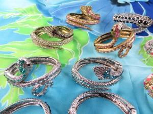 rhinestone-snake-bangle-1b
