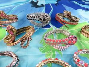 rhinestone-snake-bangle-1c