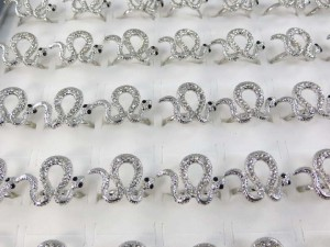 ring-snake-clear-crystal-8b