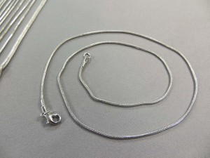 silver-plated-chain-necklace-02b
