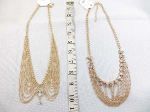 Tassel necklace in gold tone