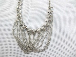 tassel-necklace-silver-tone-1b