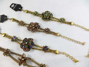 vintage-retro-cz-bracelet-gold-tone-1b