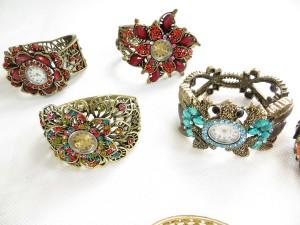 vintage-retro-watch-crystal-faux-gemstone-bangle-2b