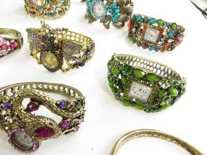 vintage-retro-watch-crystal-faux-gemstone-bangle-2c