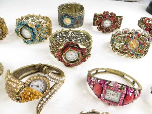 vintage-retro-watch-crystal-faux-gemstone-bangle-2e
