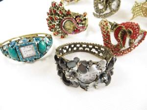 vintage-retro-watch-crystal-faux-gemstone-bangle-2g
