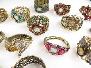 vintage-retro-watch-crystal-faux-gemstone-bangle-2i
