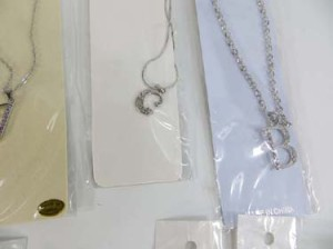 alphabet-initial-pendant-necklace-1e