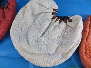 bali-batik-purse-handbag-05d