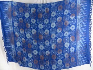 blue sarong with circles