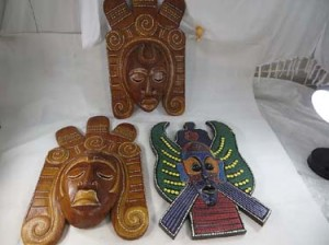 large-mask-wall-decor-1a