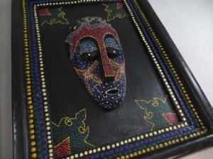mask-in-frame-2c
