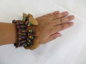 rasta-bracelet-shaker-1b