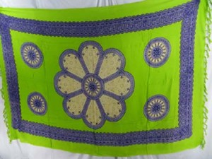 green sarong with giant daisy