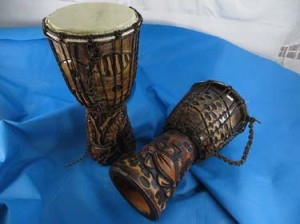 Professional deep-carved djembe drum, African style percussion drum with goat skin head, handcrafted from one piece of mahogany wood with alpine string